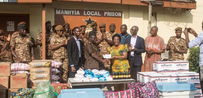 JCE FETES MANHYIA PRISONERS, PAYS FOR RE-ROOFING OF CELLS